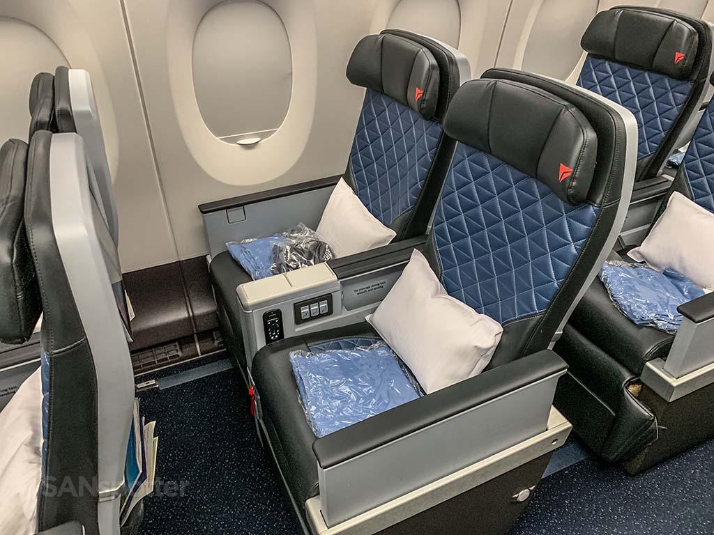 Delta premium select seats