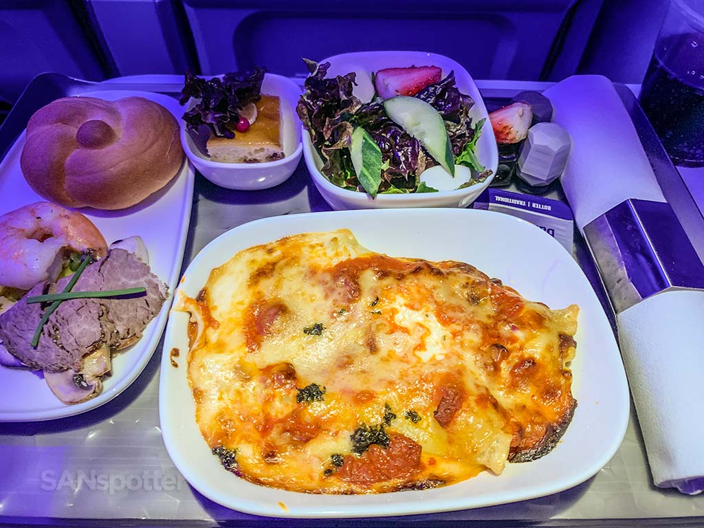 Delta premium select lunch