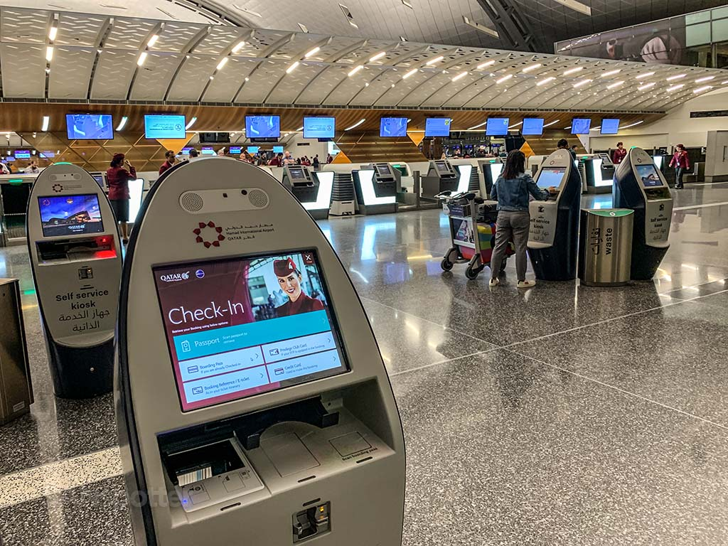 Qatar Airways check in kiosk