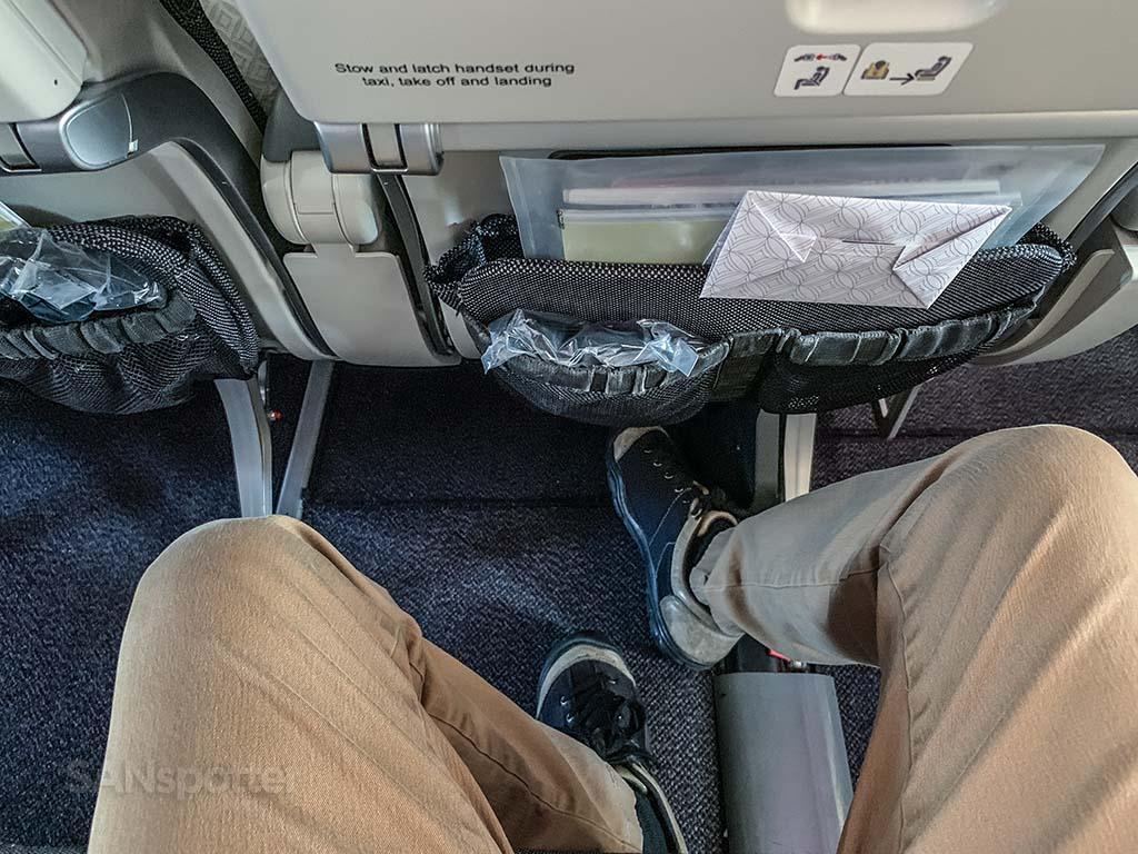 Qatar Airways 777-300 seat pitch