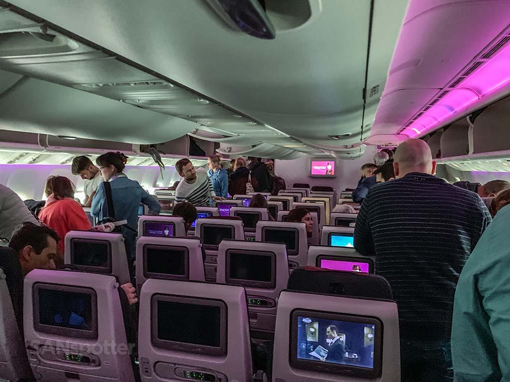 Qatar Airways 777 cabin pic