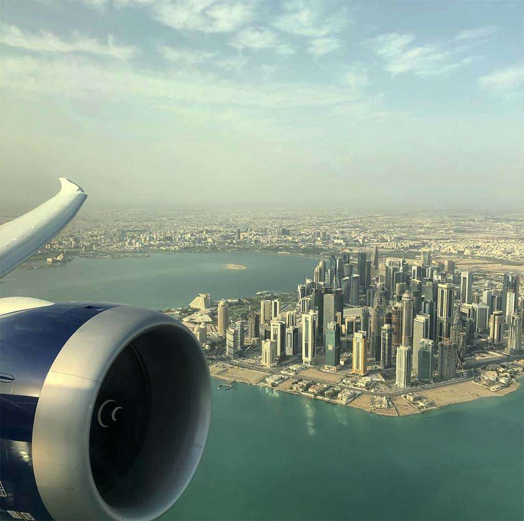 Boeing 787 over downtown Doha