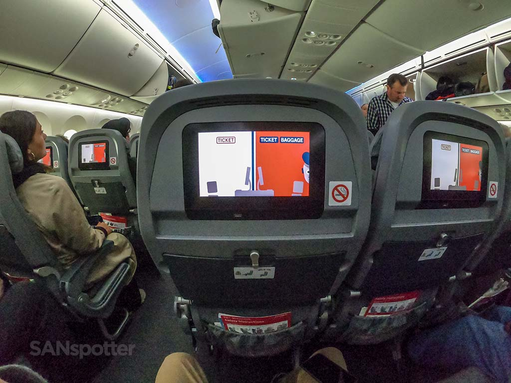 Norwegian Air 787 seats and video screens