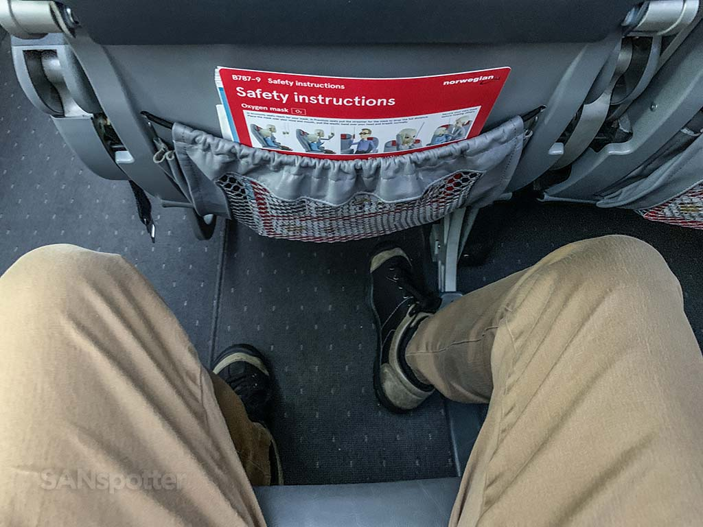 Norwegian Air 787-9 seat pitch