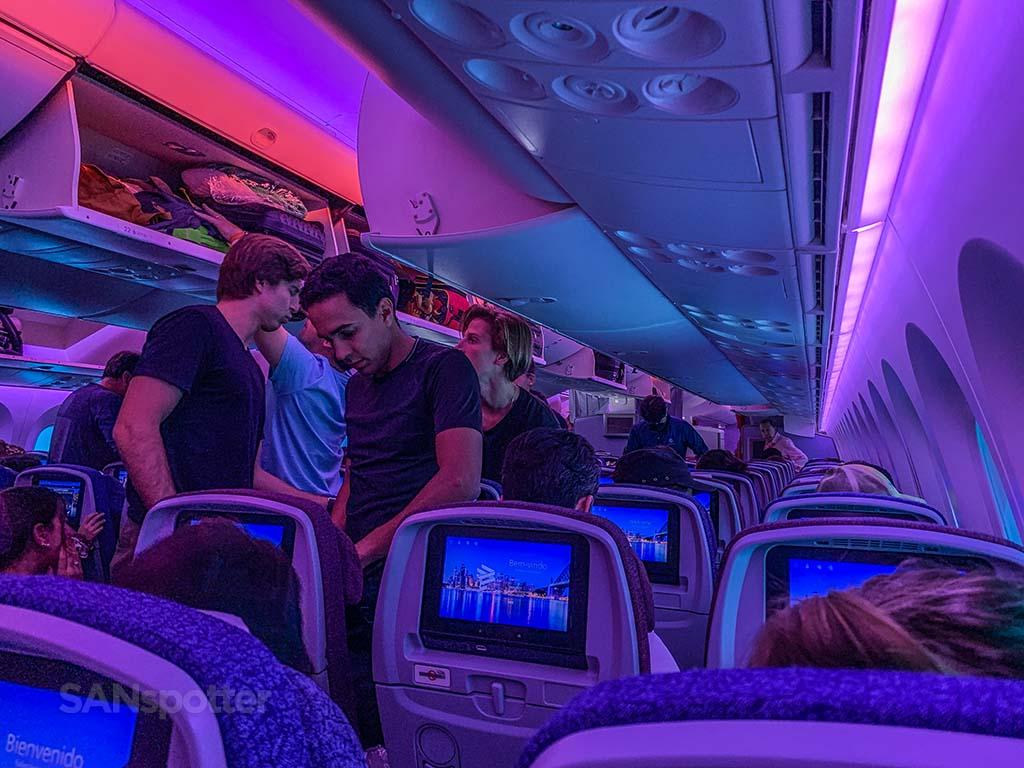 LATAM 787-8 mood lighting