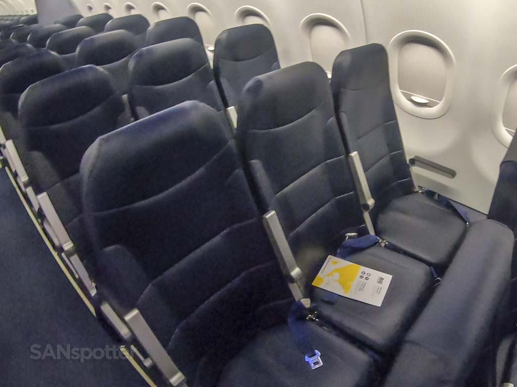 spirit airlines standard seats
