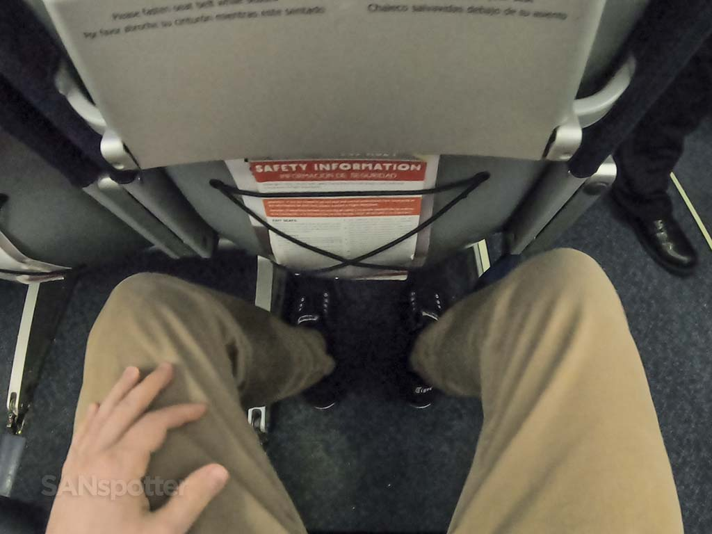 spirit airlines leg room