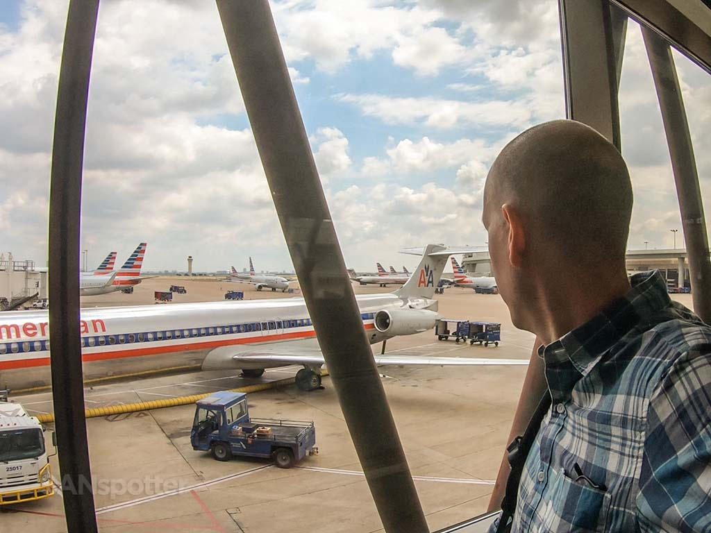 SANspotter selfie DFW American Airlines MD80