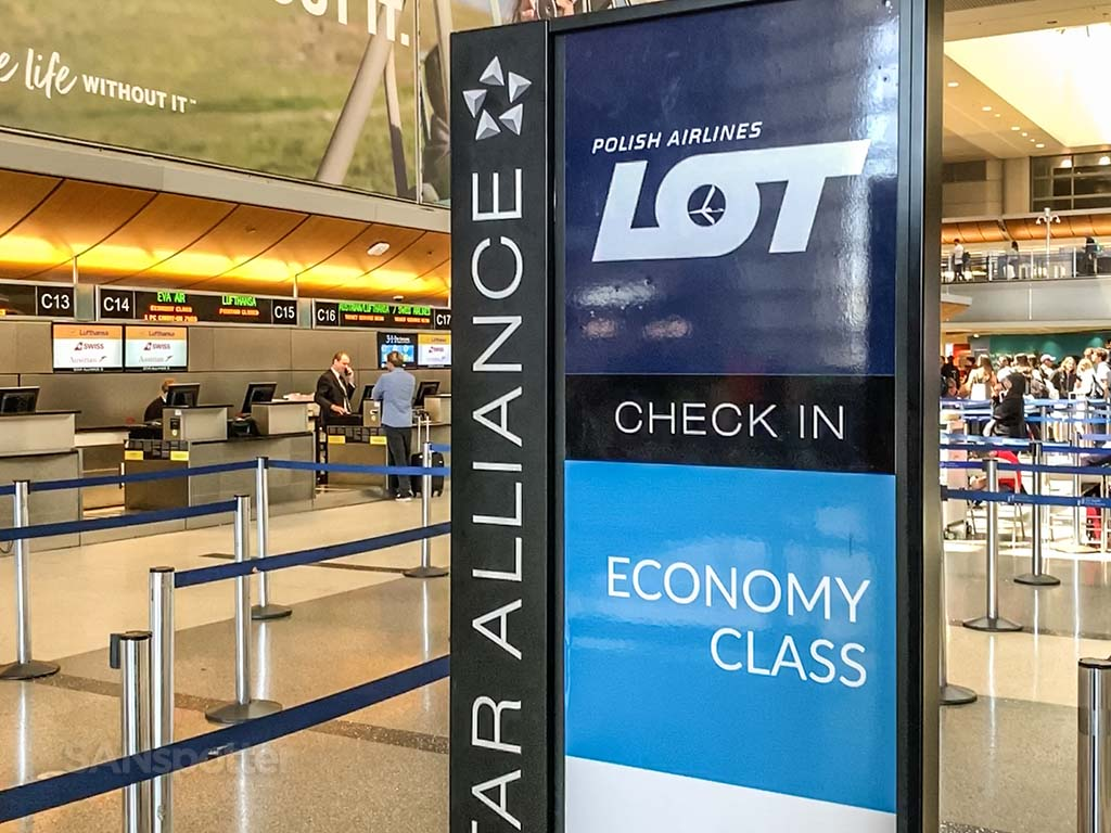 LOT Polish airlines check in LAX