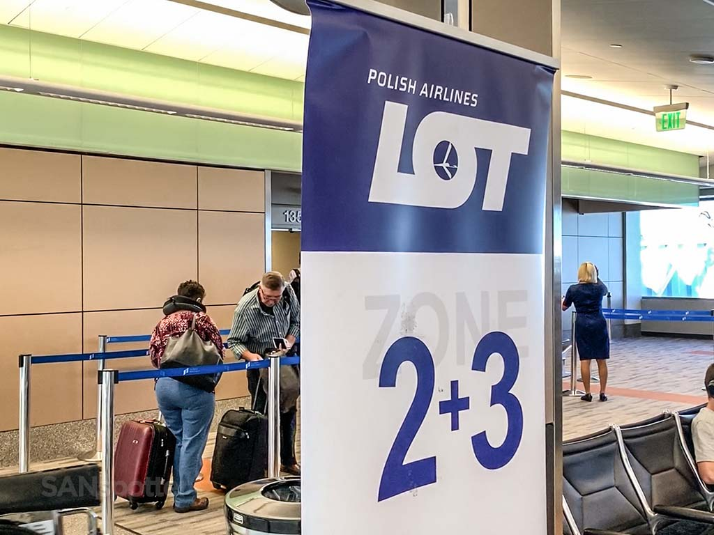 LOT airlines boarding zones