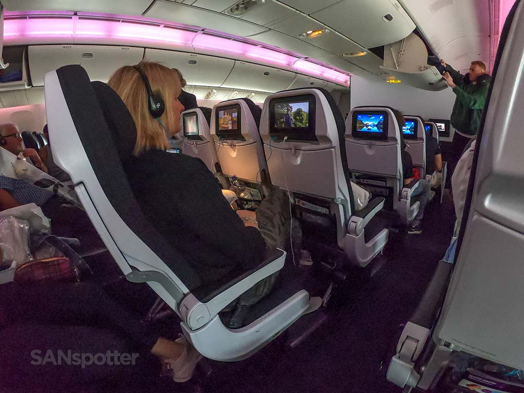Air New Zealand 777-300 cabin