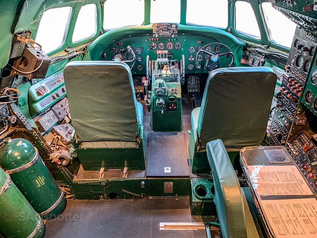 Lockheed constellation cockpit