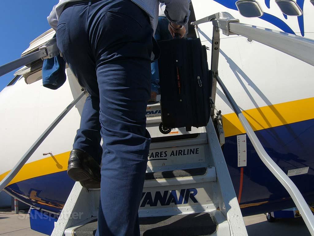 Ryanair 737 air stairs