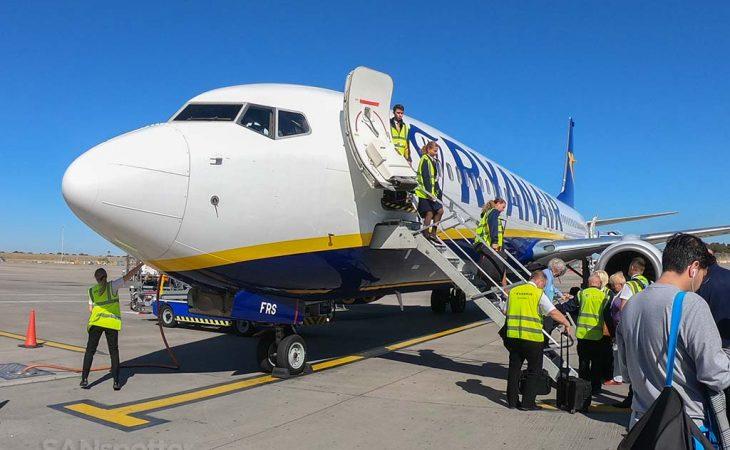 737-800 EI-FRS