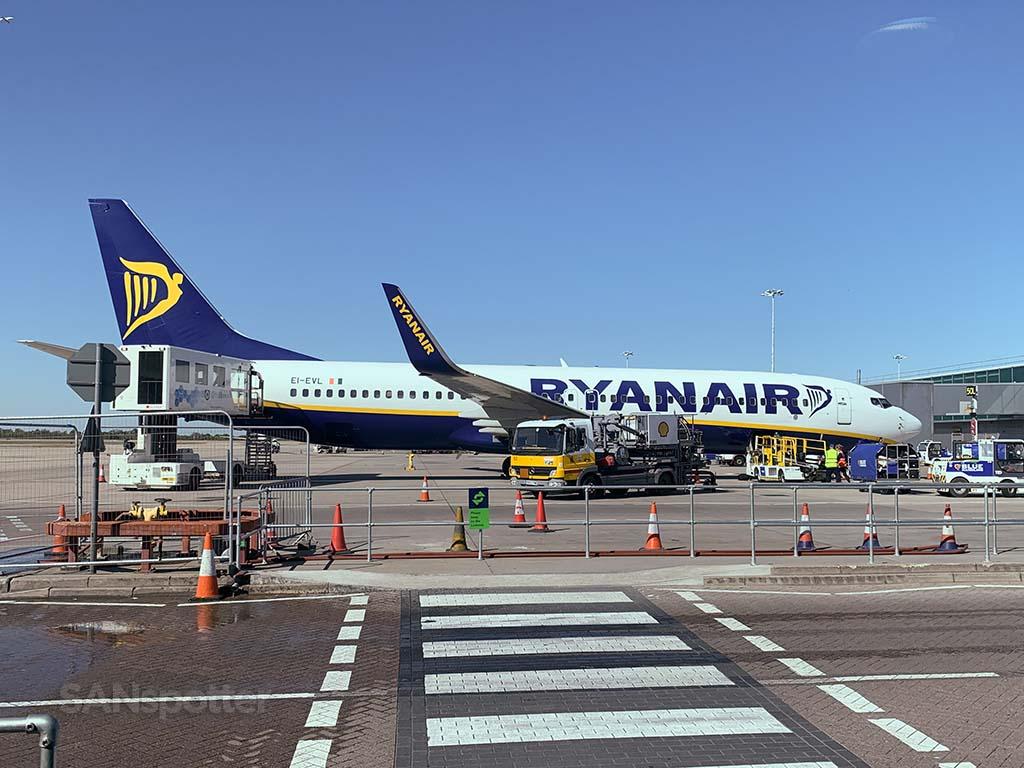 Ryanair 737-800 EI-EVL
