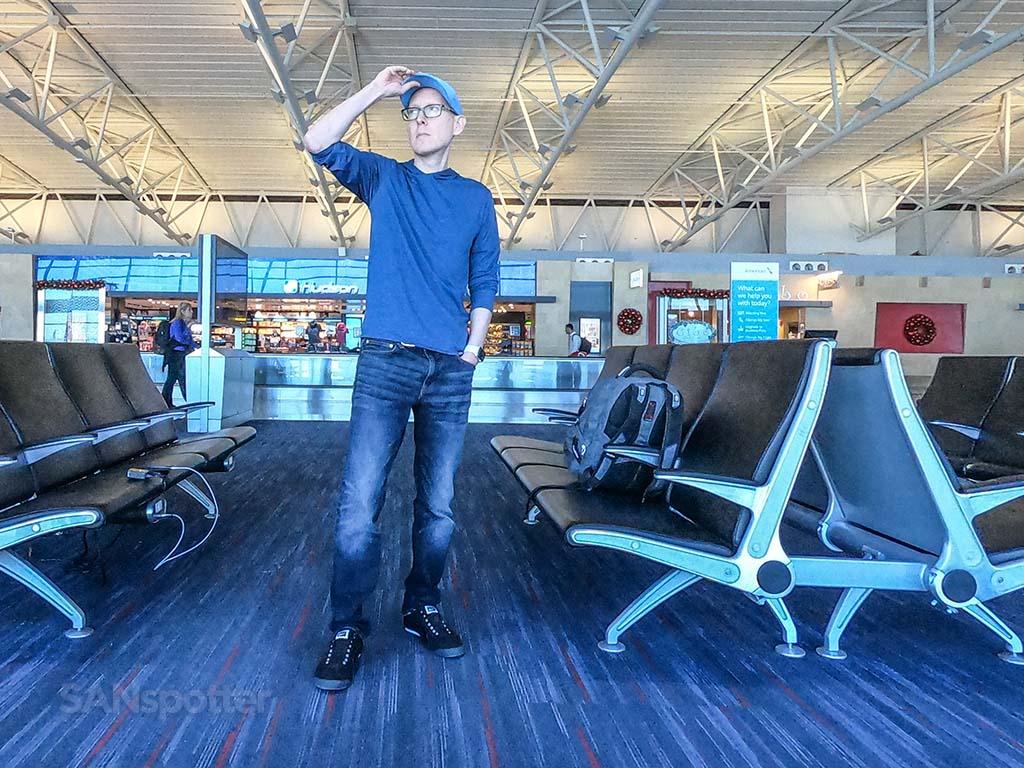 Sanspotter selfie jfk Airport Terminal 8