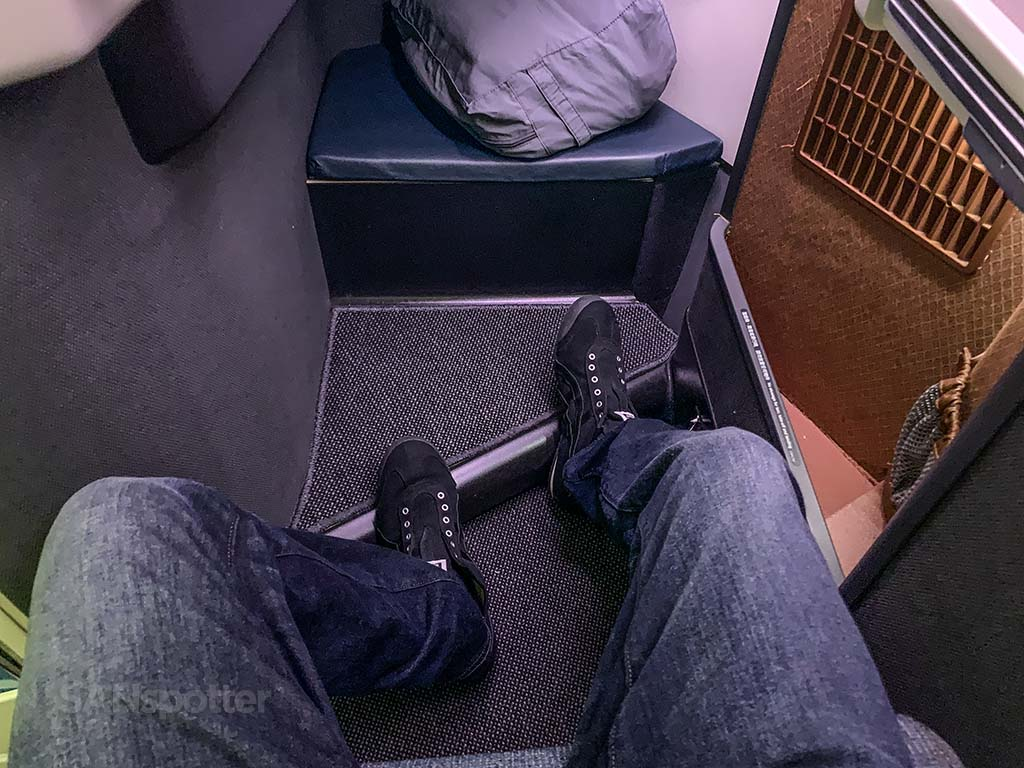 Cathay pacific business class leg room