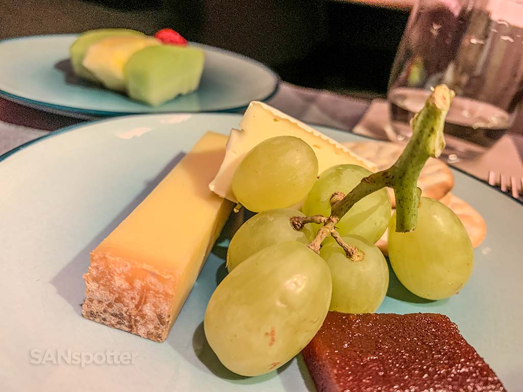 Cathay Pacific business class dessert