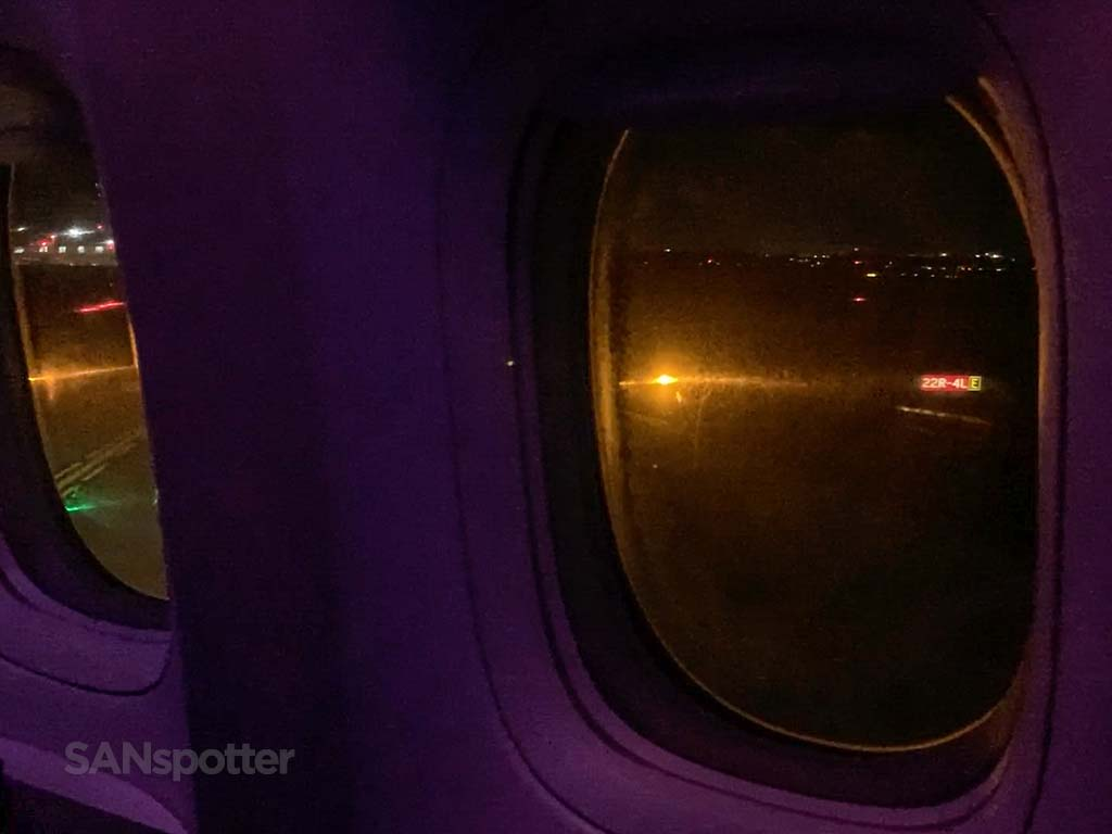 Boeing 777 windows