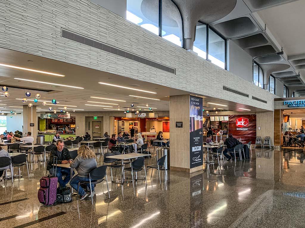 Terminal 1 SAN food court