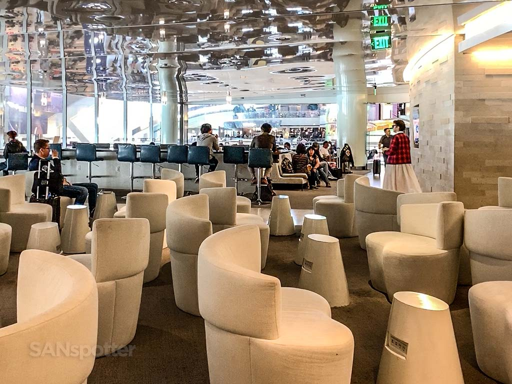 Korean air lounge Los Angeles