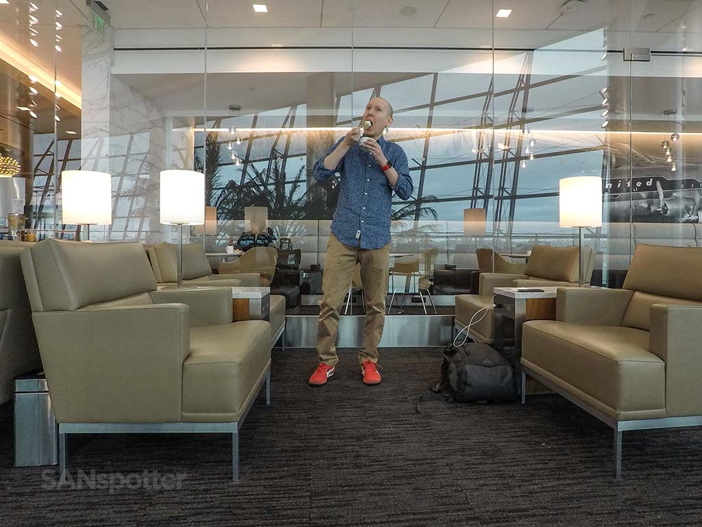 sanspotter san diego airport lounges