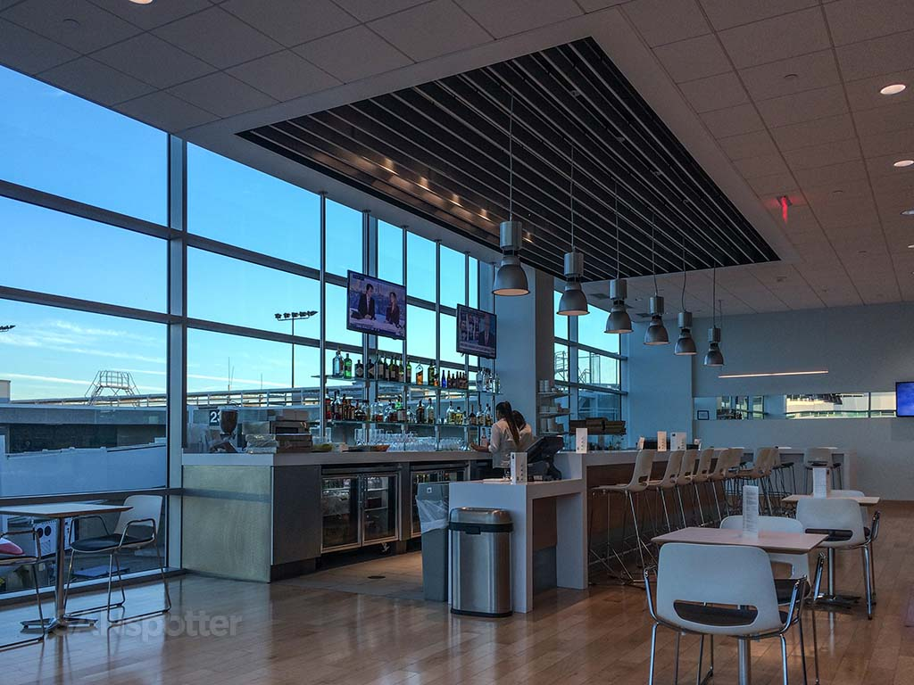 san diego airport airspace lounge
