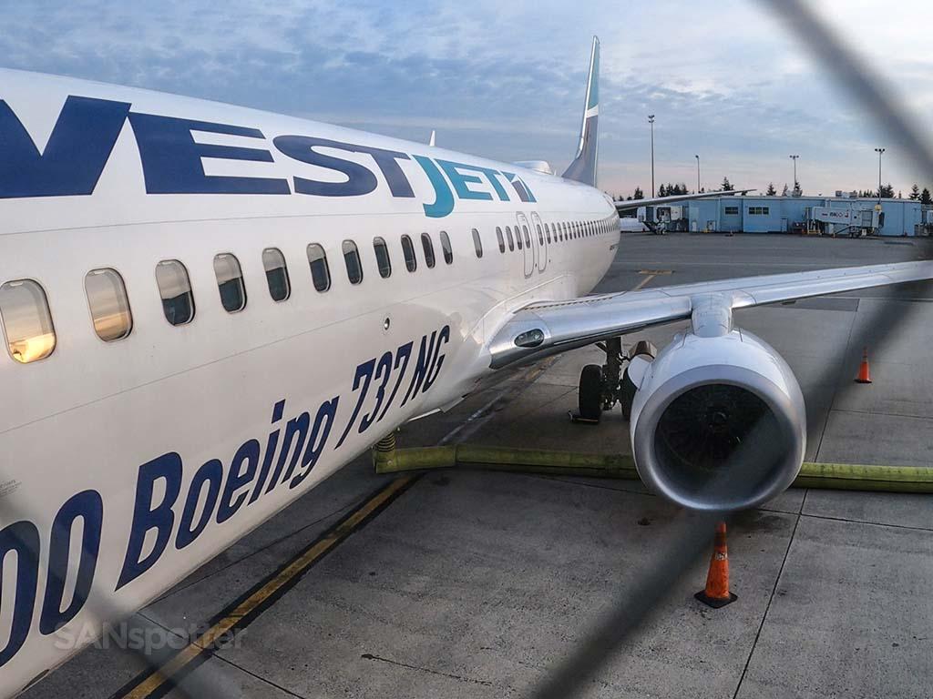 100th westjet 737