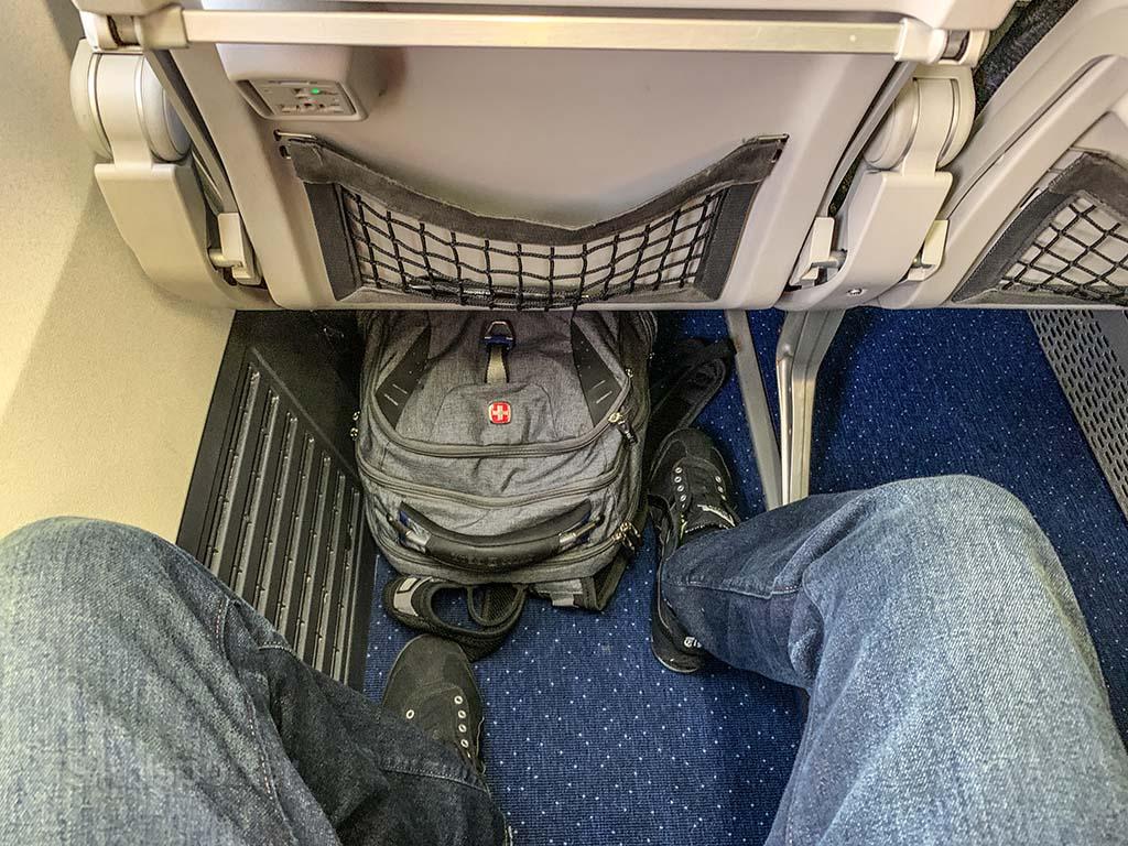 westjet 737 extra leg room