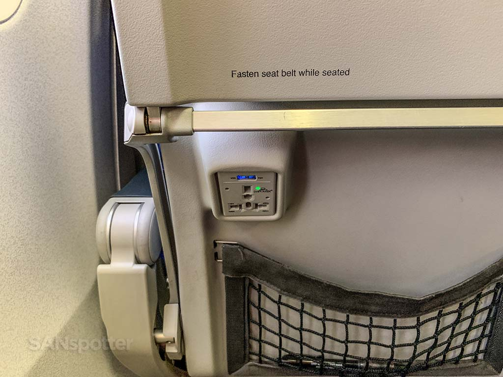 westjet economy power ports