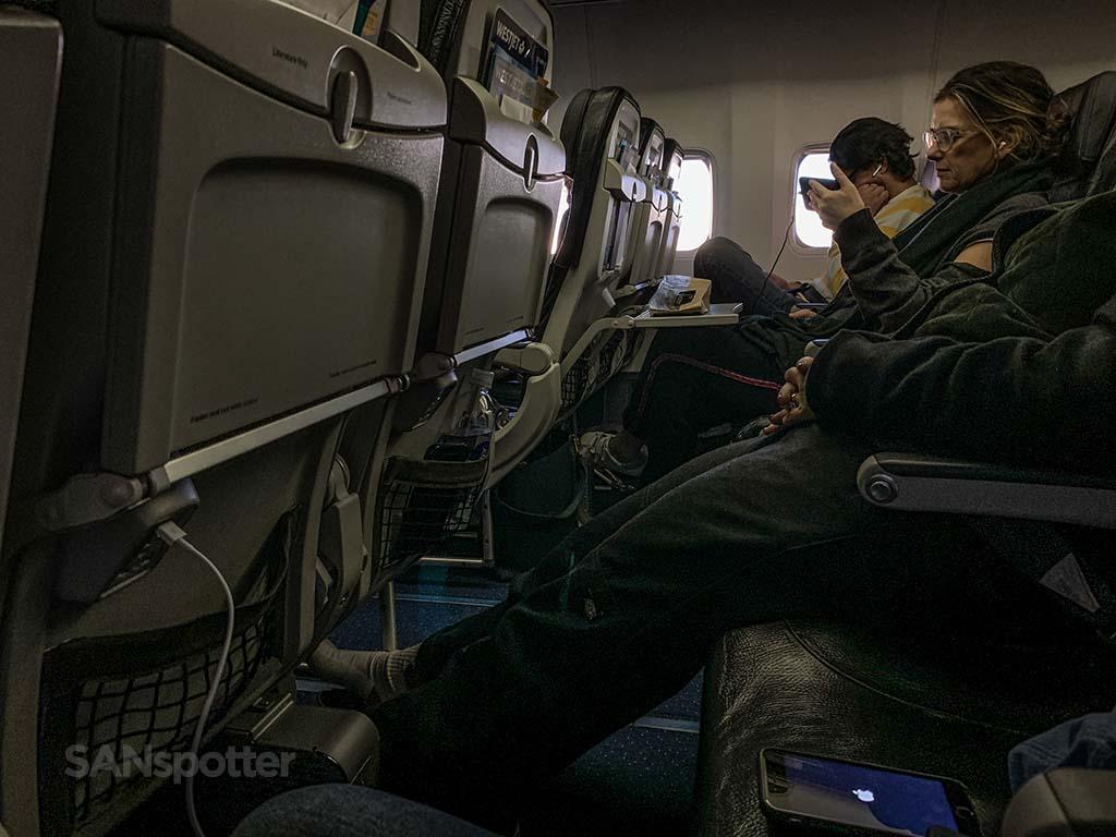 WestJet 737-800 cabin