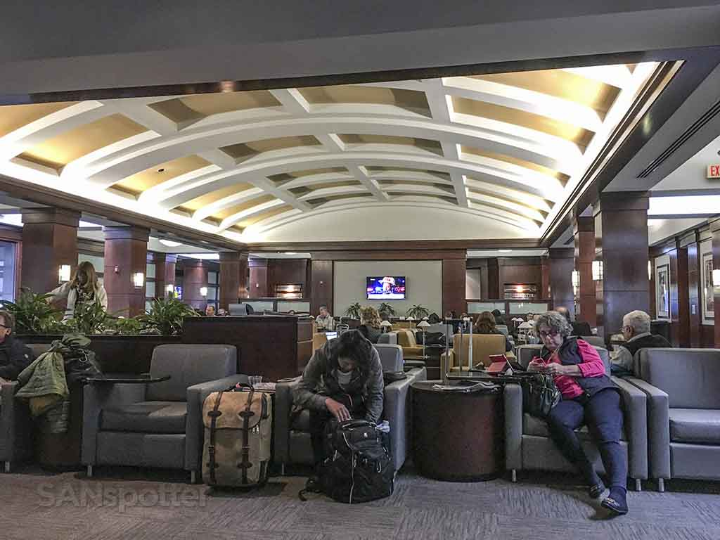American Airlines Admirals Club CLT