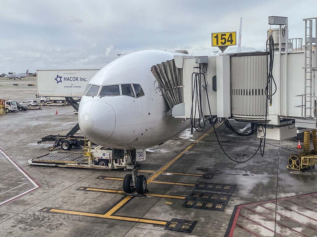 China Eastern 777-300ER LAX