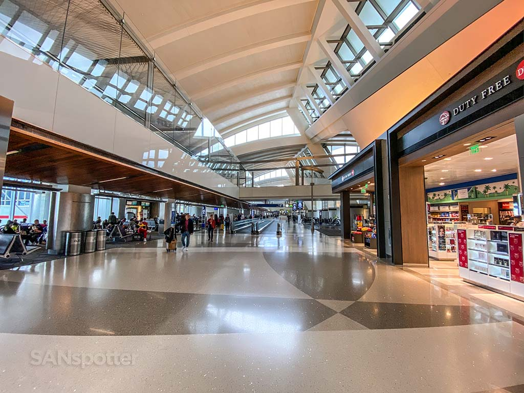 LAX Tom Bradley International Terminal interior pic