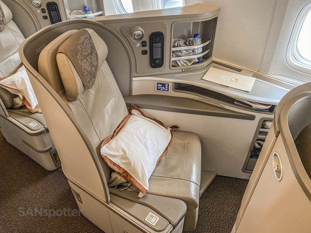 China Eastern 777-300 business class seat
