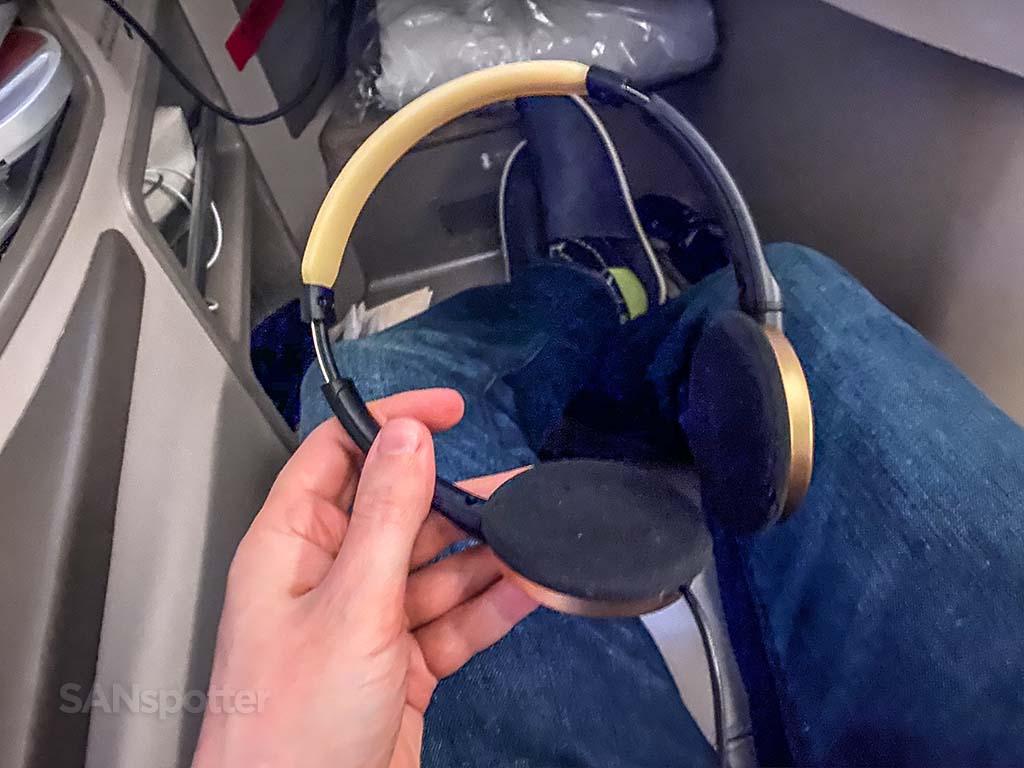 china eastern business class headphones