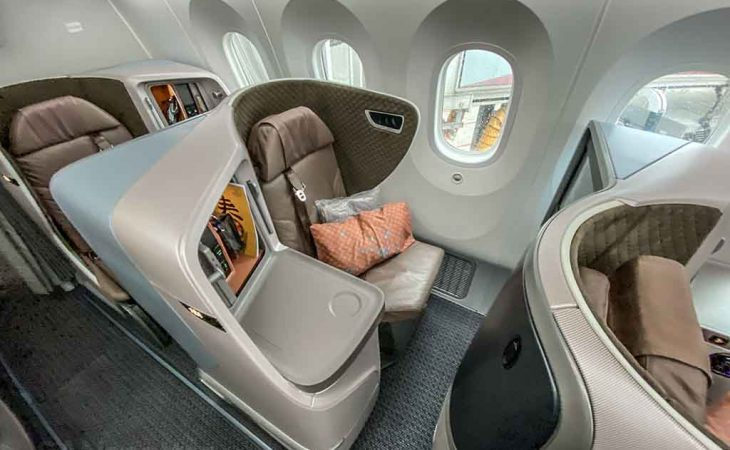 Singapore Airlines 787-10 regional business class seat