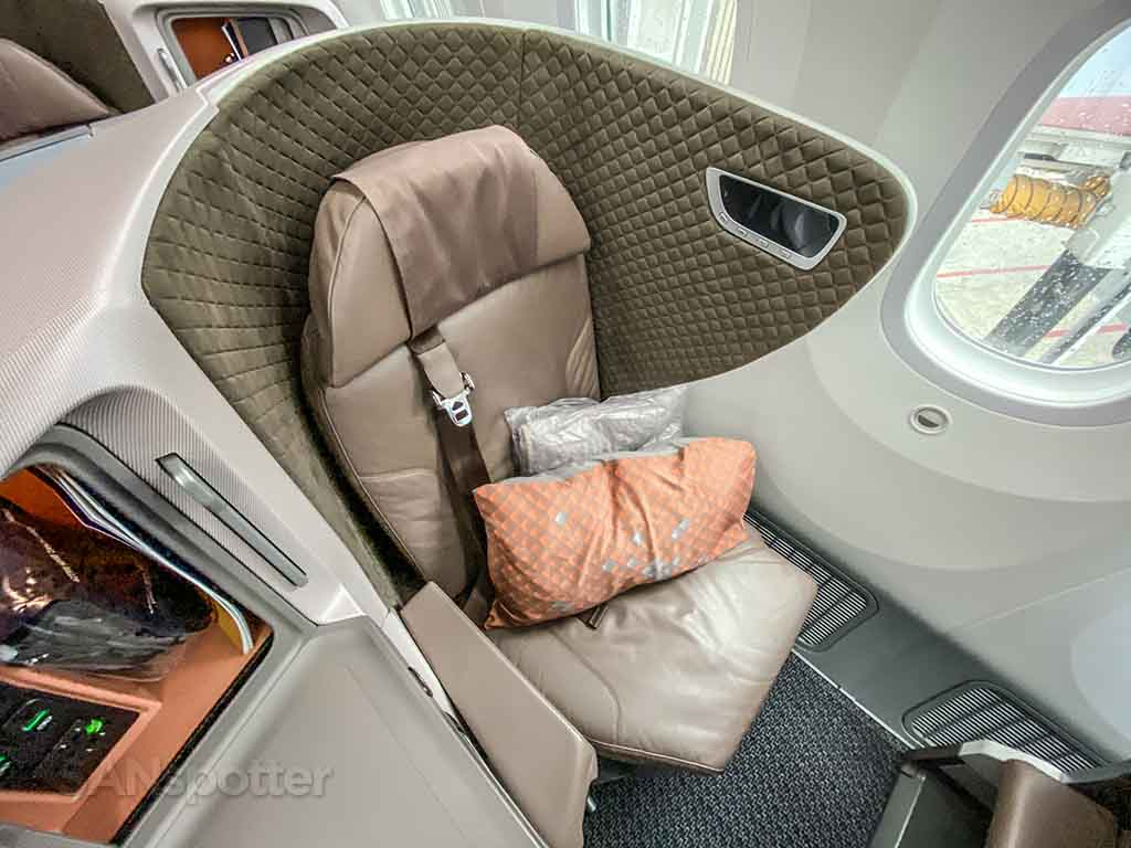 Singapore Airlines 787-10 regional business class seat review