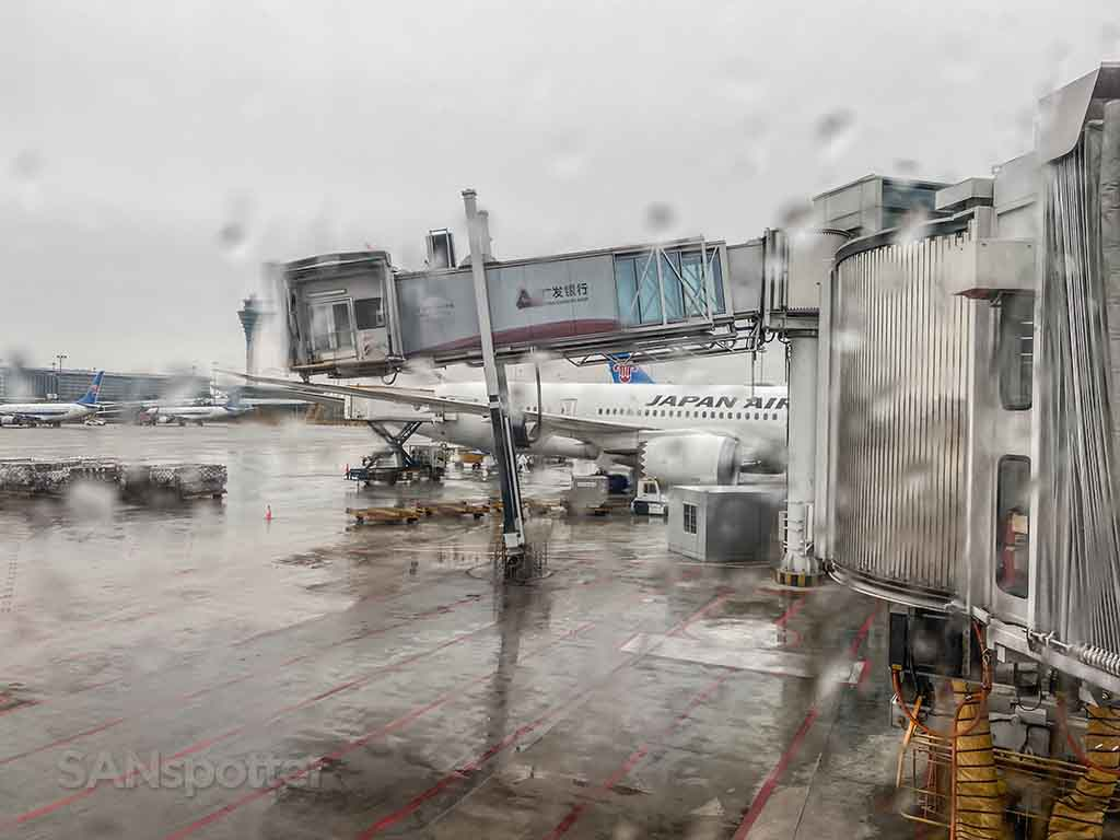 Guangzhou airport jet bridge