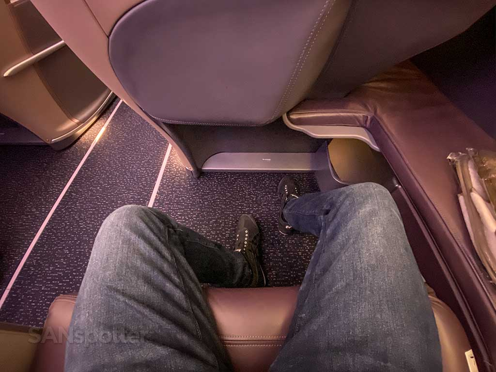 Singapore Airlines A350 Business Class leg room