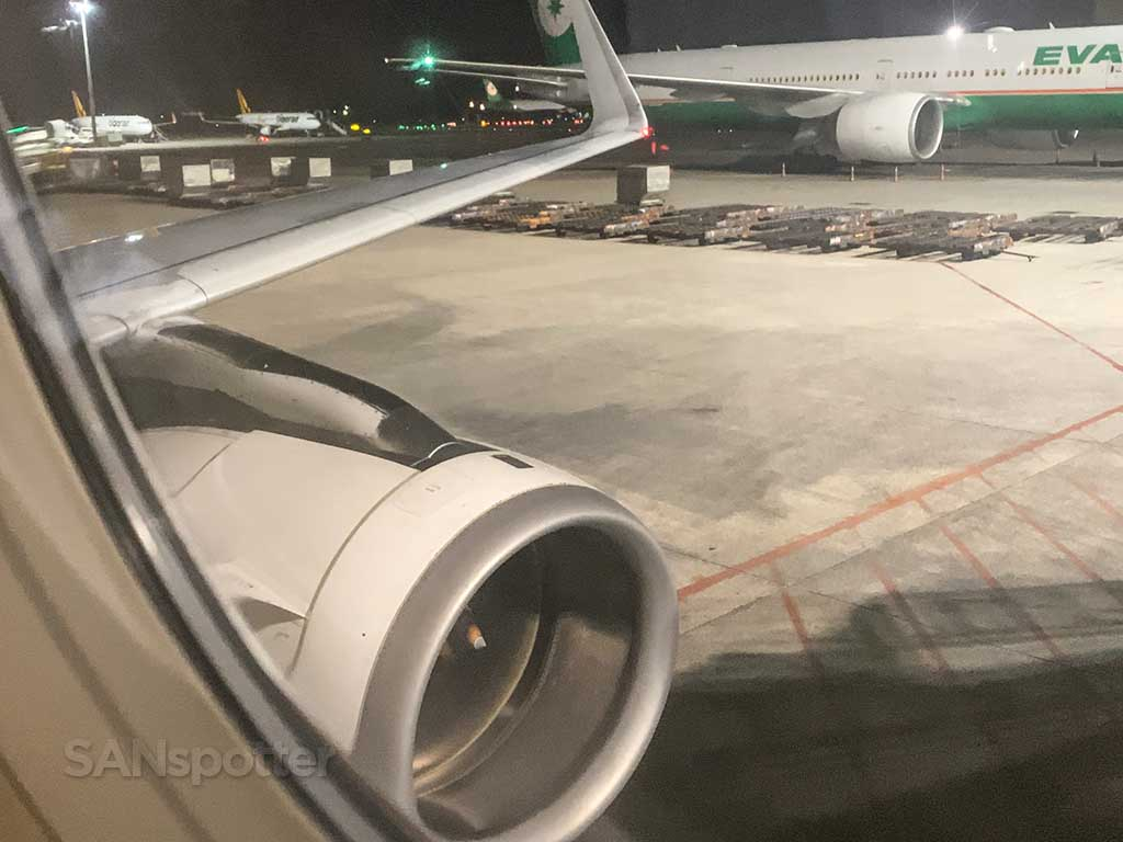 Scoot A320 wing and engine view