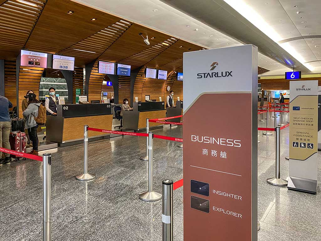 Starlux Airlines check in TPE airport