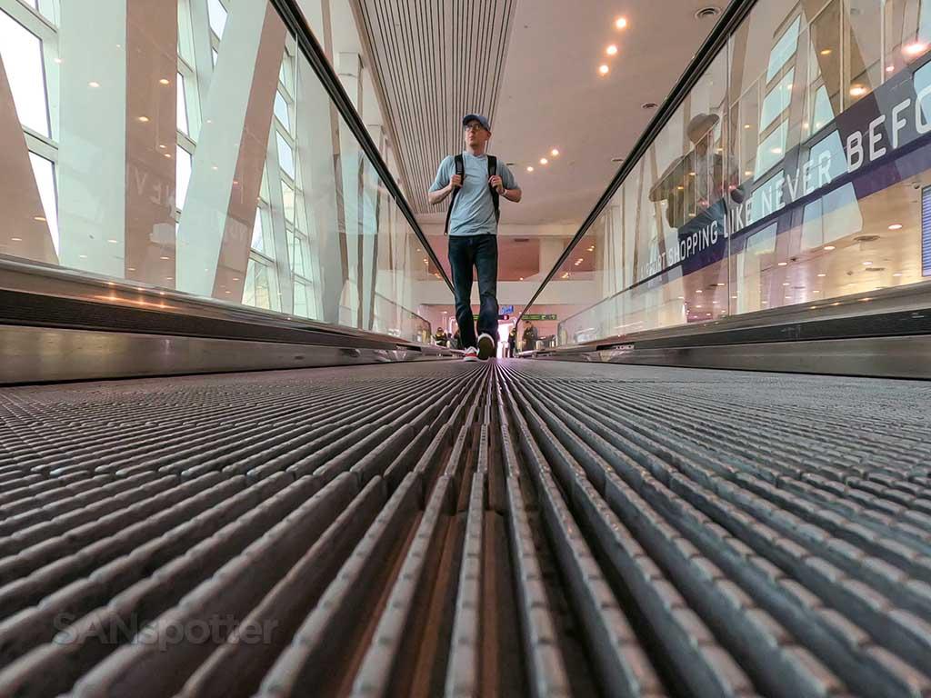 Sanspotter selfie KUL airport