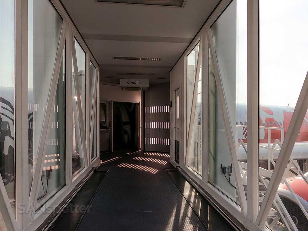 KUL airport jet bridge