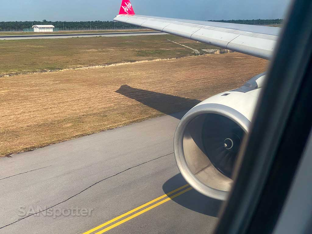 AirAsia X A330 engine and wing
