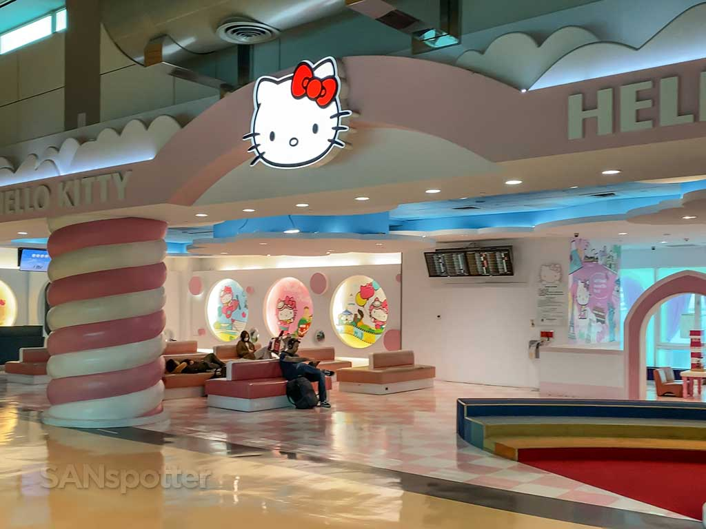 Hello Kitty TPE airport