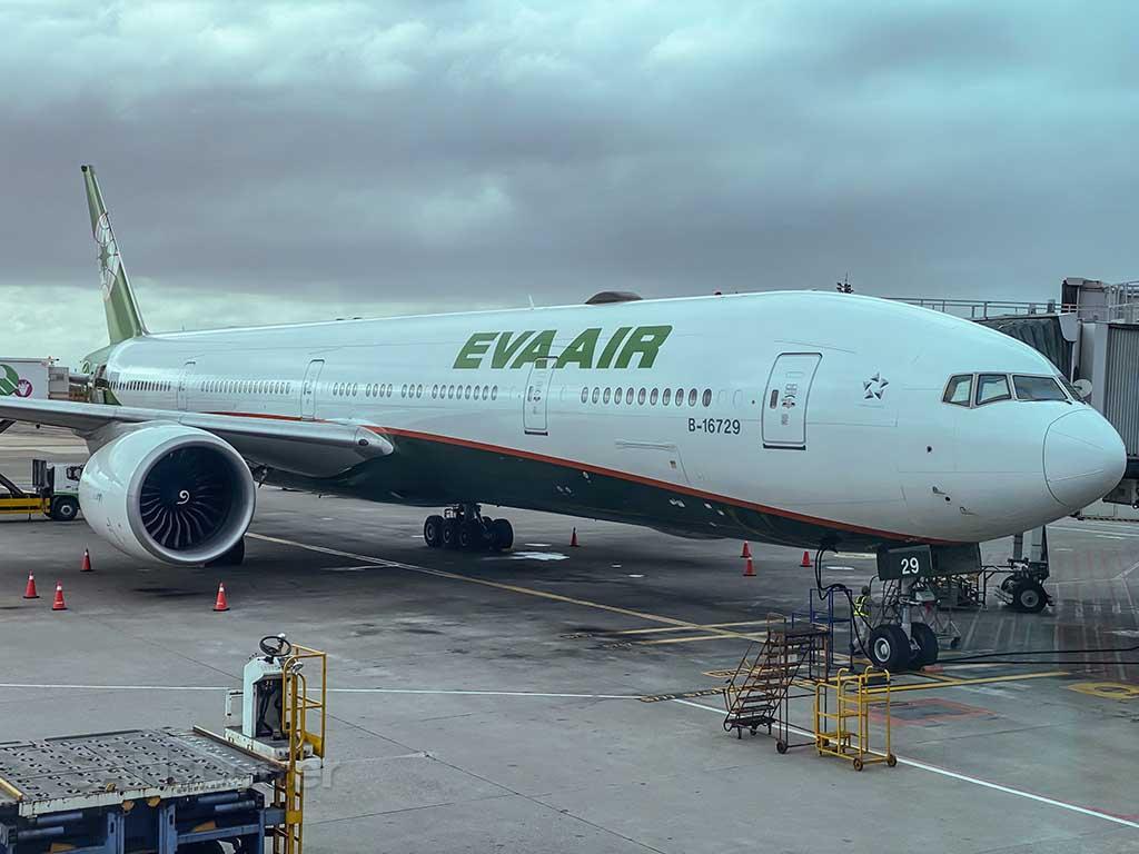 EVA Air 777-300/ER B-16729