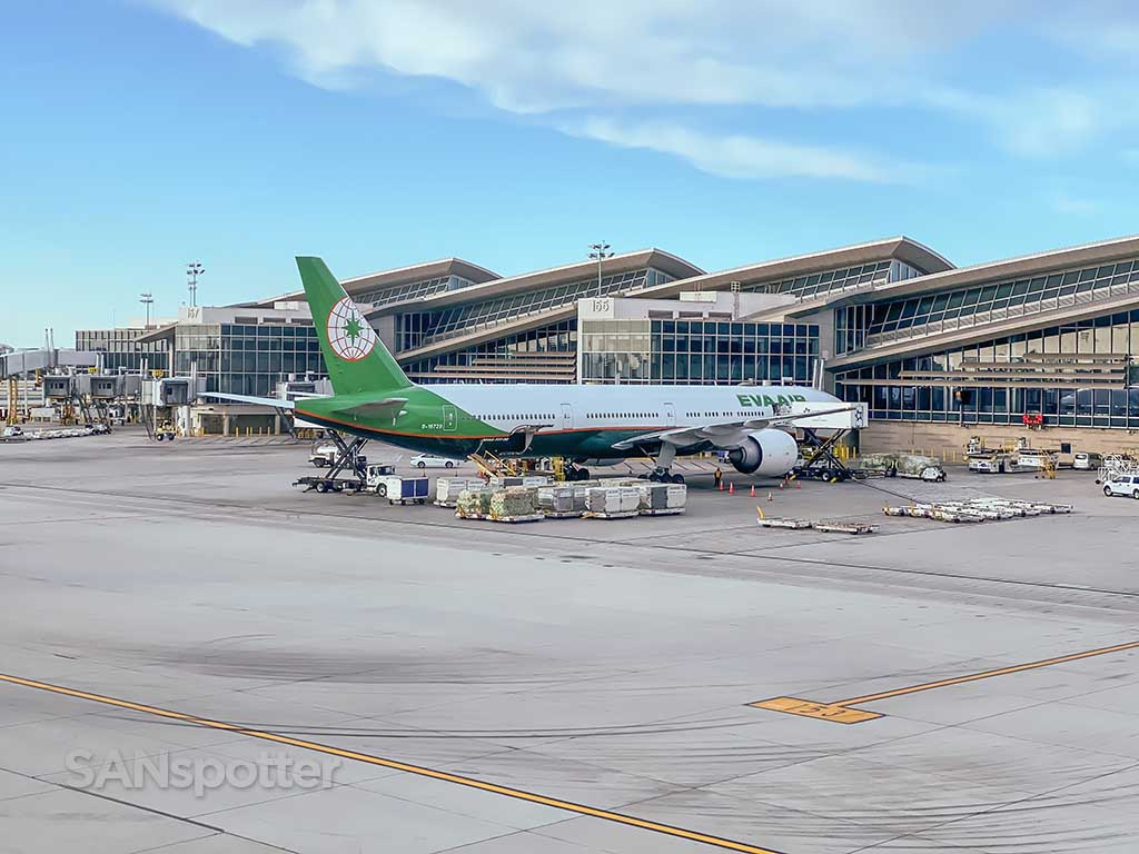EVA Air 777-300/ER LAX