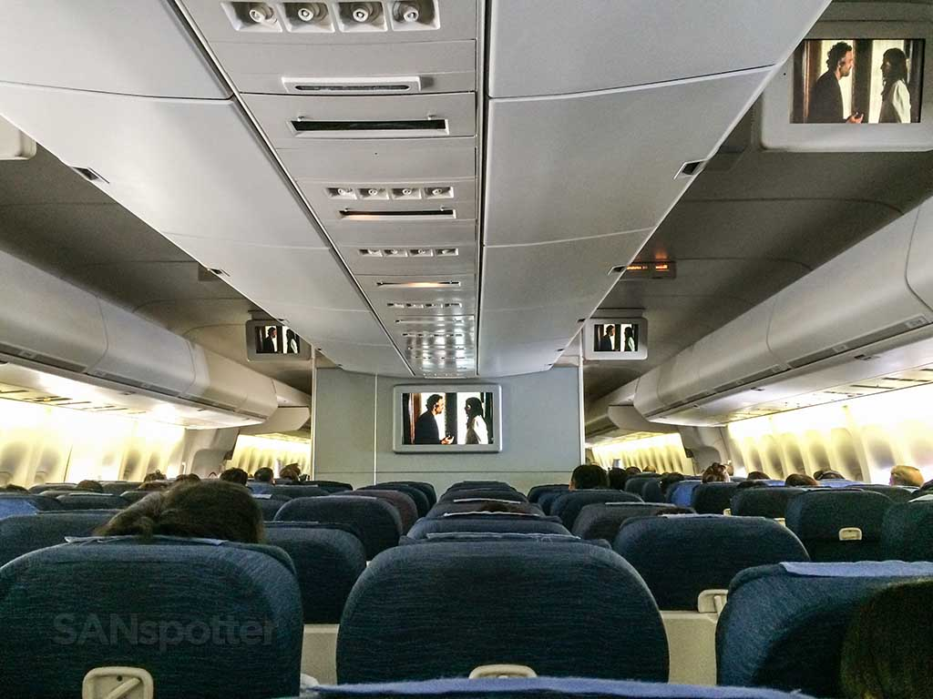 747-400 interior from the back