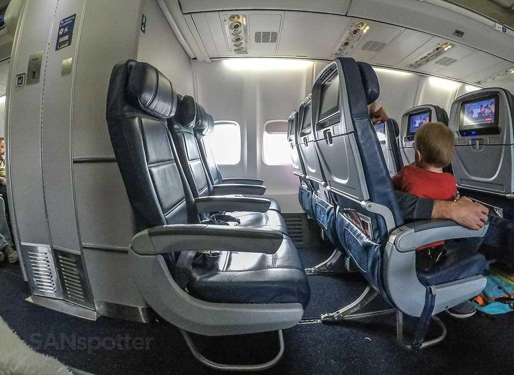 Delta 757-300 economy seats